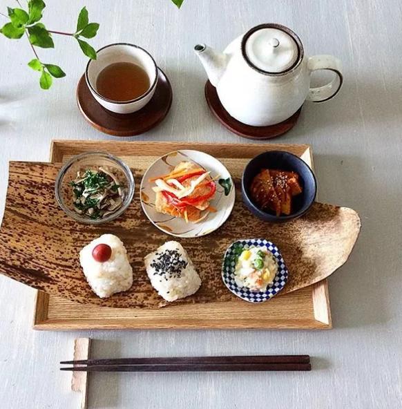 ins上一日本美食博主做的饭团有点皮,大家感受一下…