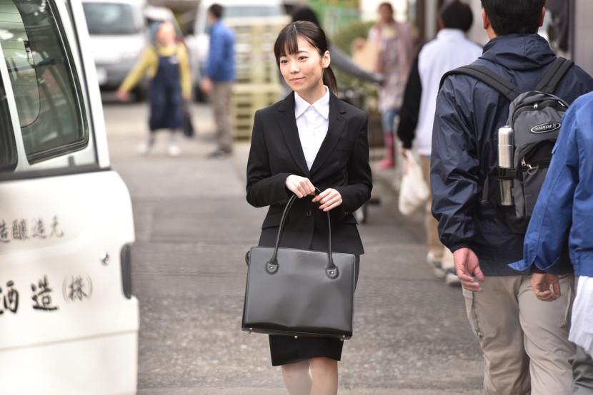 日本出台新政策 方便外国留学生毕业后在日创业
